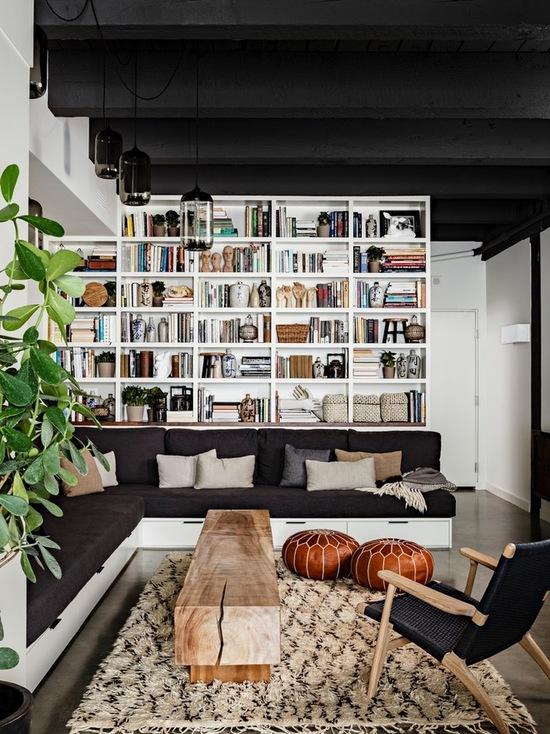 decoracao-de-sala-com-sofa-preto (2)