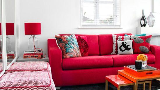 34 Fotos de Decoração de sala sofá vermelho e Combinações