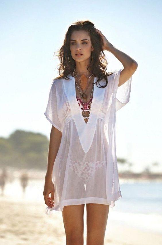 2708f9a43 Saída de praia branca com renda: E para aquelas com um estilo mais  romântico, as saídas de renda são sensacionais, existem alguns modelos de  manga comprida ...